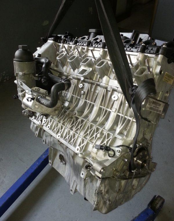 Motore revisionato Bmw 330xd 3.0 d codice 306d3